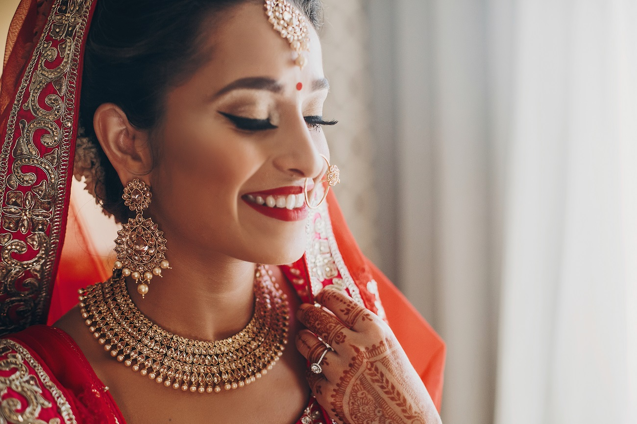 7 Make-Up Tips for a Summer Wedding That Brides Must Know