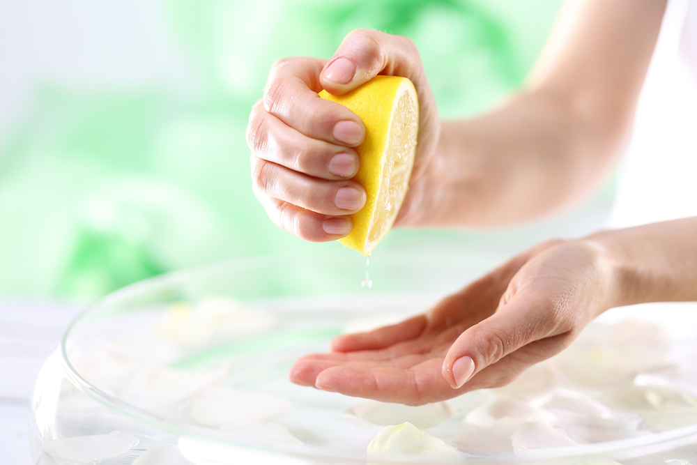 lemon to remove dandruff from scalp
