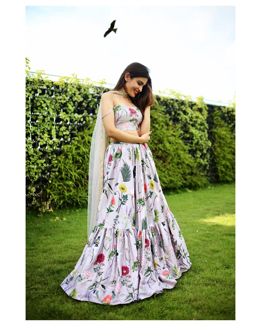 What To Wear To A Pre Wedding Shoot To Add Visual Drama