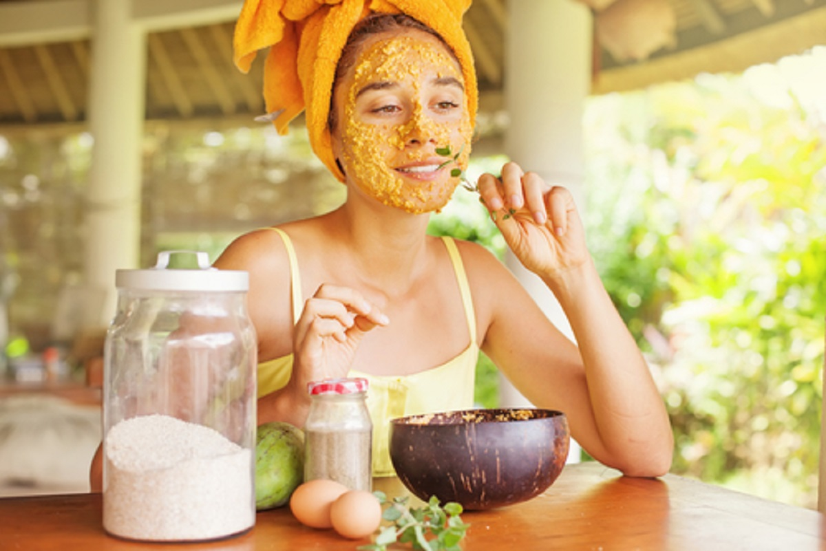 5 Best Home-Made Face Packs for Oily Skin