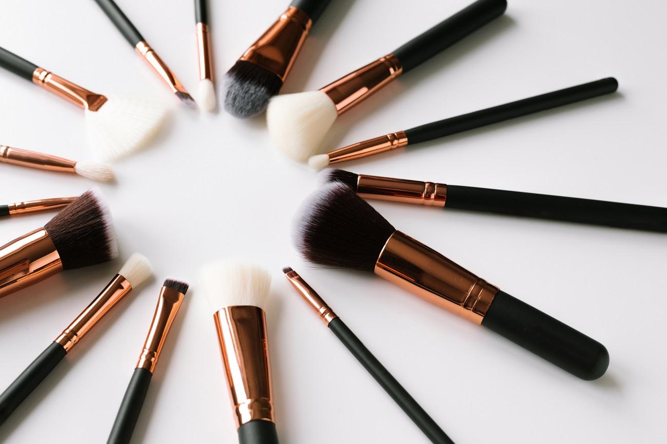 10 Types Of Make Up Brushes