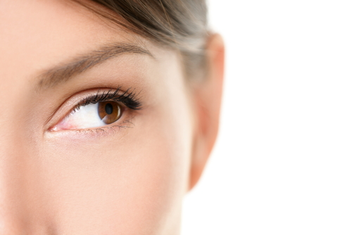 Dark Eyeliner Application