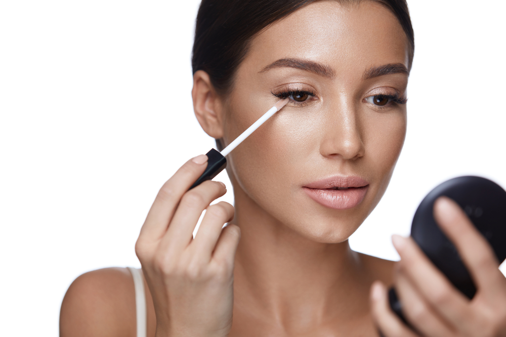 10 Easy Makeup Tips And Tricks To Make You Look Less Tired The Urban Guide