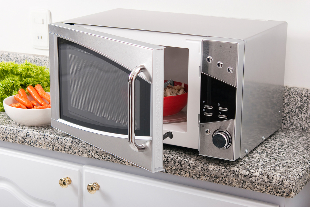 5 Common Mistakes You Should Avoid While Using Your Microwave Oven – The  Urban Guide