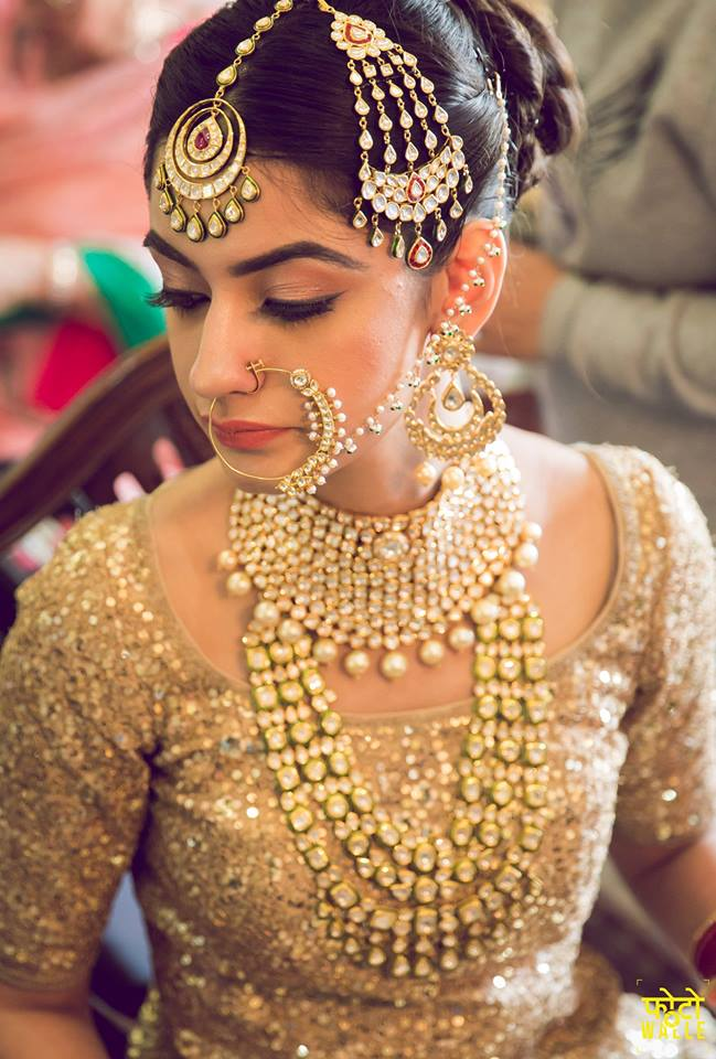 How To Pick The Right Maang Tikka Mathapatti For Your Face Shape