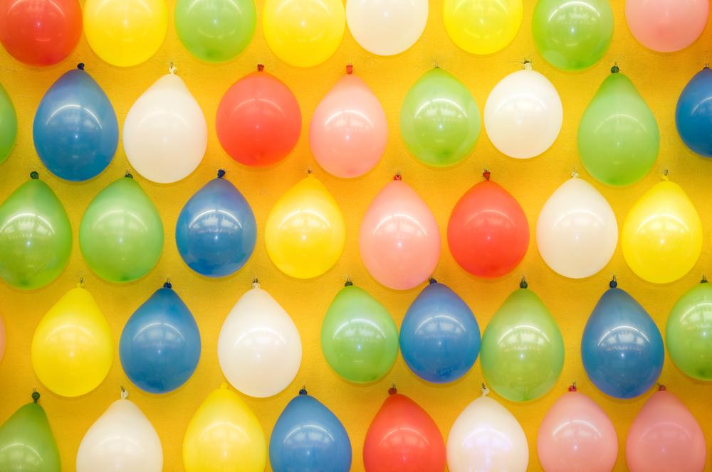 стена из воздушных шаров