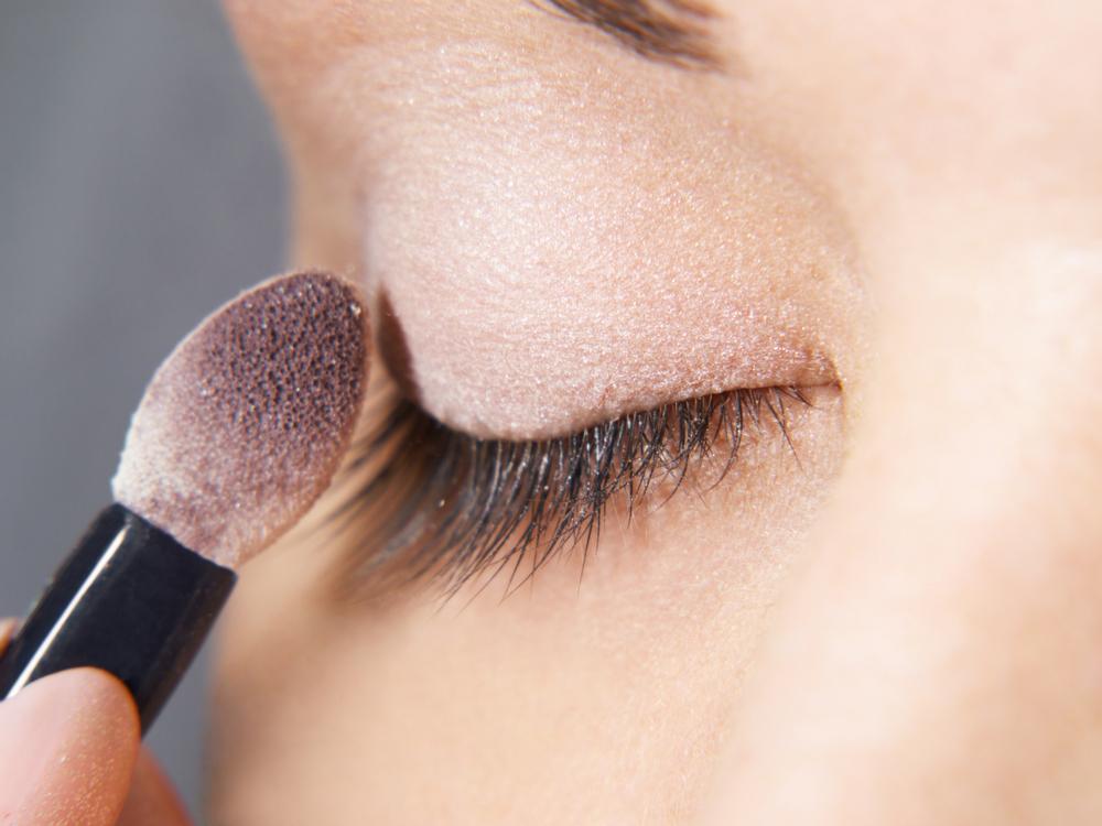eye makeup step - create base