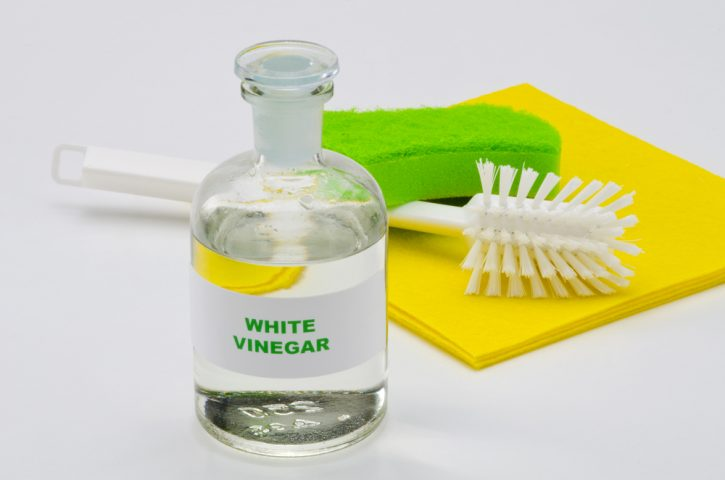 vinegar for cleaning car