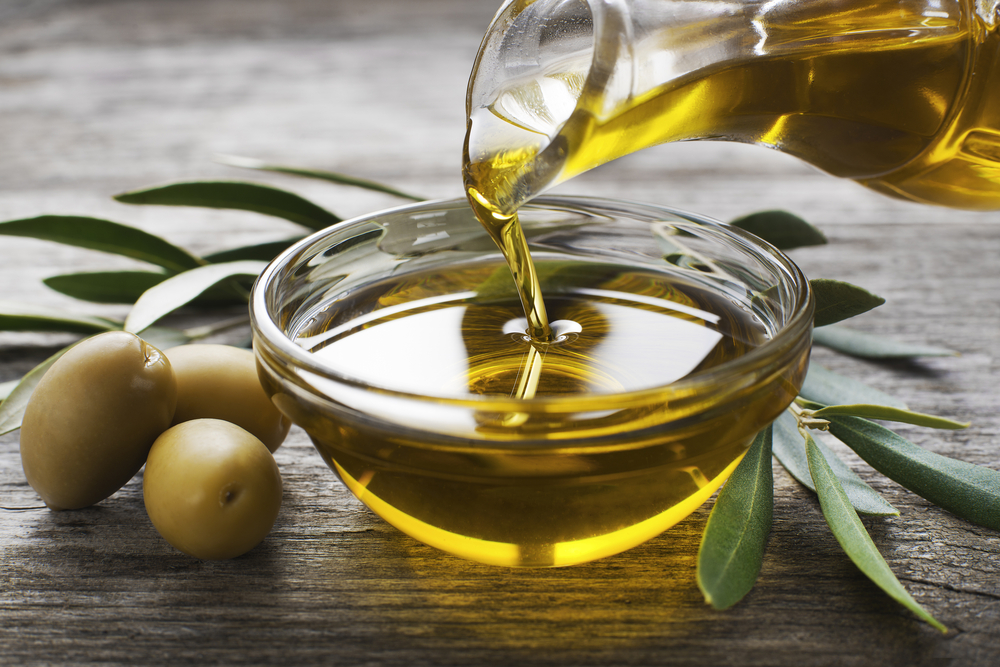 olive oil to clean car