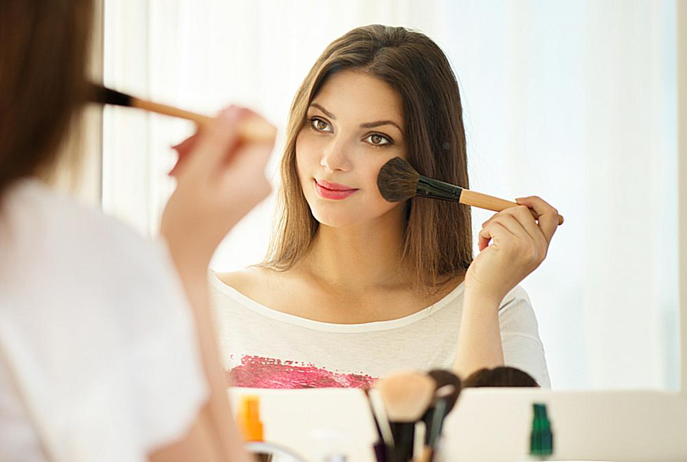 Basic Makeup Tips and Tricks Every Woman Should Know – The Urban Guide