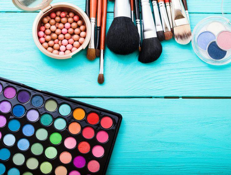 eyeshadow palettes and brushes