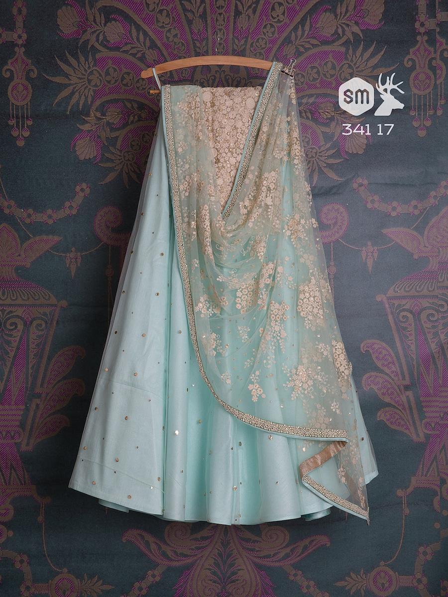 Blue lehenga with white threadwork dupatta