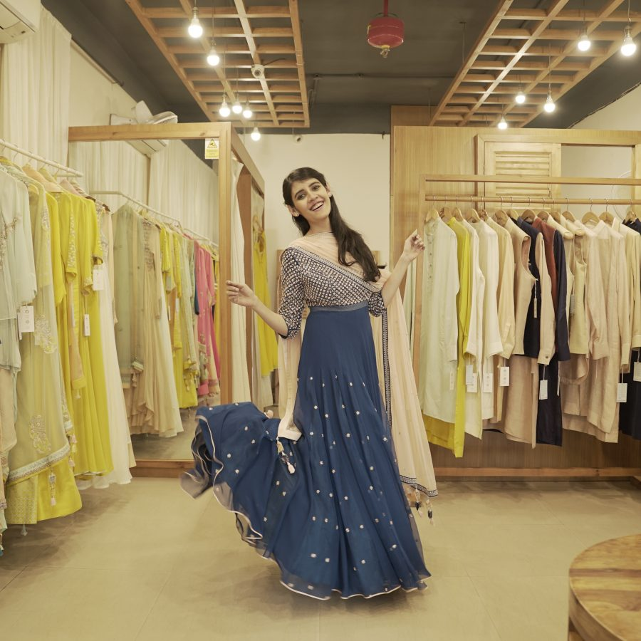 2ccd8b724 6 Best Websites for Renting Indian Wedding Dresses (Ultimate Guide!)