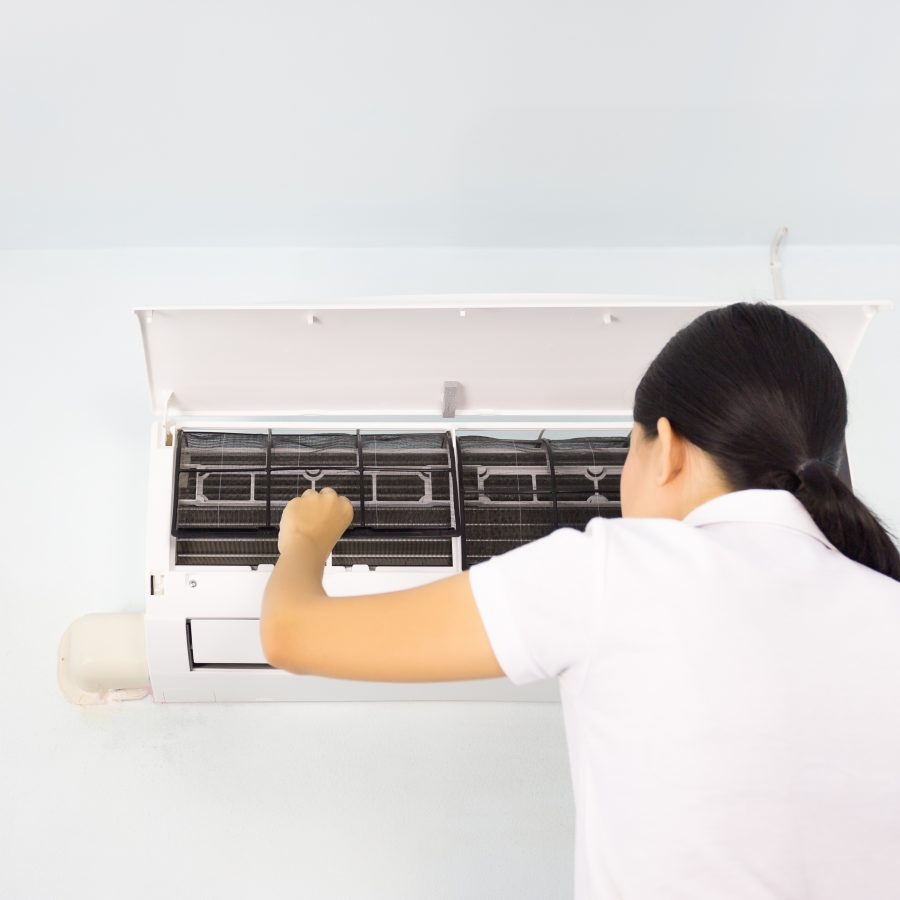 AC Leaking Water? 5 Reasons Why And Their Solutions
