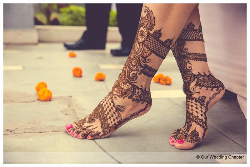 Simple Mehendi Design for Brides- Feet Mehendi design