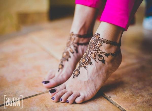 30+ Beautiful Feet & Leg Mehendi Designs for the 2018 Bride