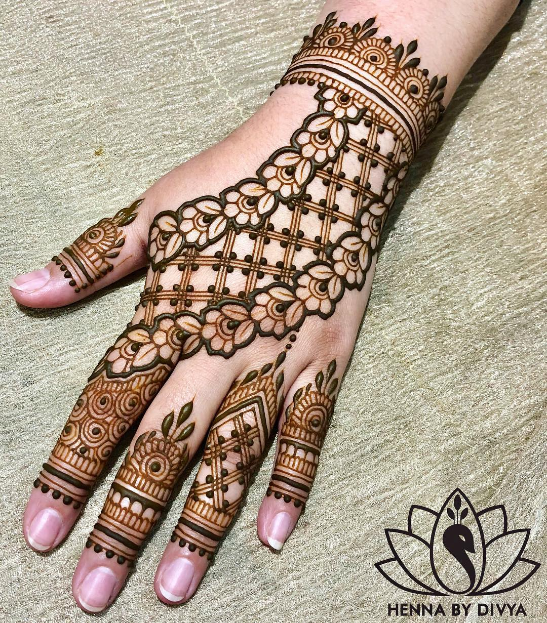 Henna Stencils: 40+ Simple Bridal Mehendi Designs: For The Bride's Hands