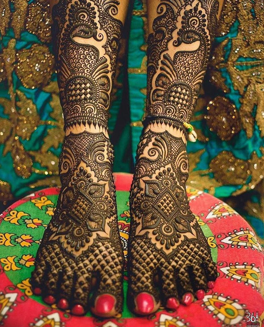 20 Stunning Feet Mehendi Design Options For The 2018 Bride The Urban Guide
