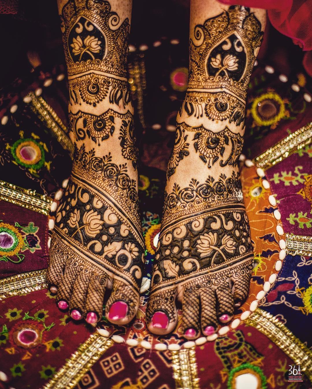 30+ Beautiful Feet \u0026 Leg Mehendi Designs for the 2018 Bride