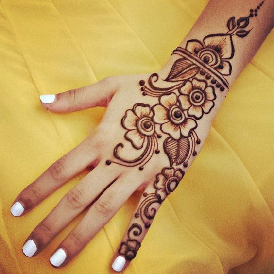 40 Simple Bridal Mehendi Designs For The Bride S Hands