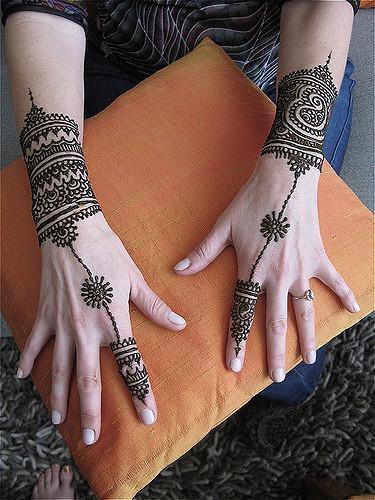Bridal arabic mehndi designs for hands - Hathfool mehndi design for back hand