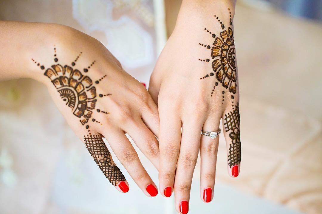 Bridal arabic mehndi designs for hands - Floral mehndi design for back hand