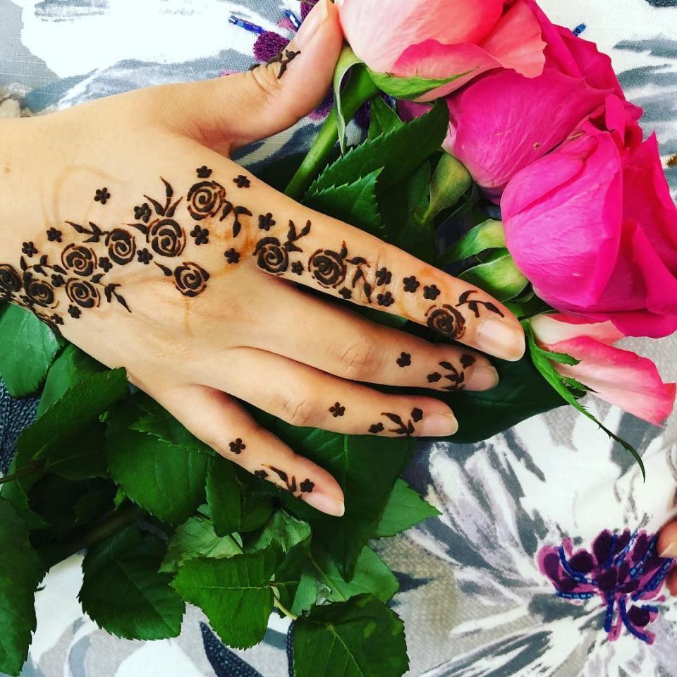 Bridal arabic mehandi designs for hands - Floral mehandi design for back hand