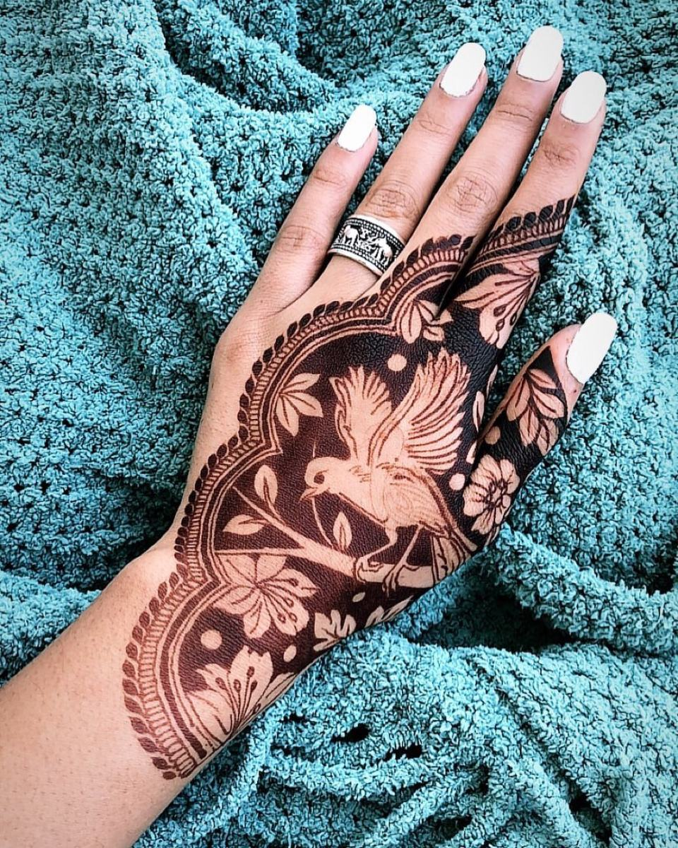 13 Unique Henna Designs Doing The Rounds This Wessing: 40+ Simple Bridal Mehendi Designs: For The Bride's Hands