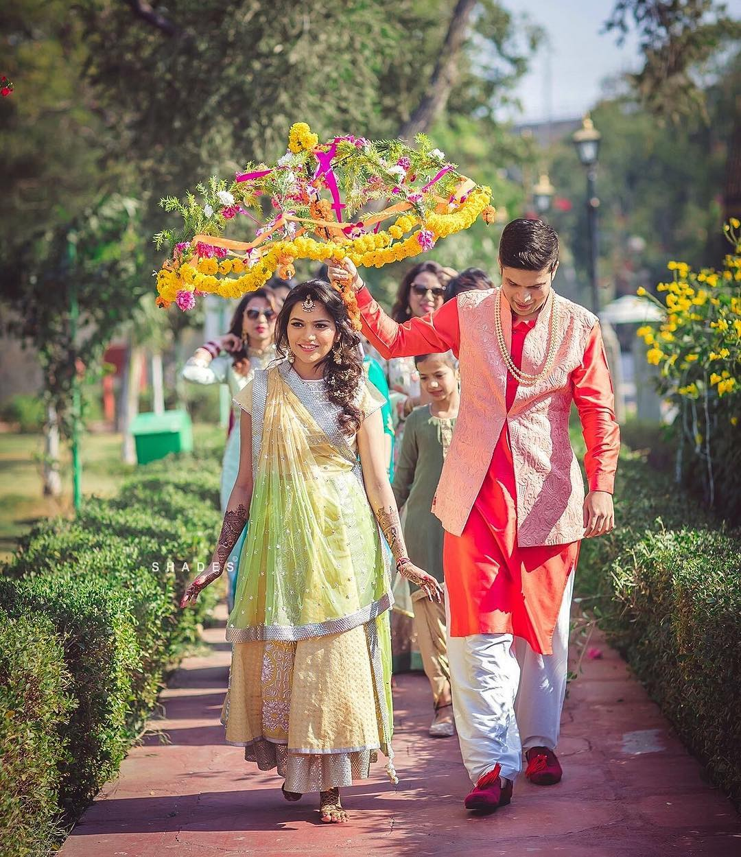 5 Creative Mehendi Entrance Ideas For Brides!