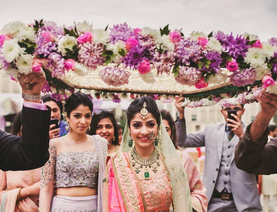 Phoolon ki chadar for bride- Beautiful floral Phoolon ki cahadar for bridal entry