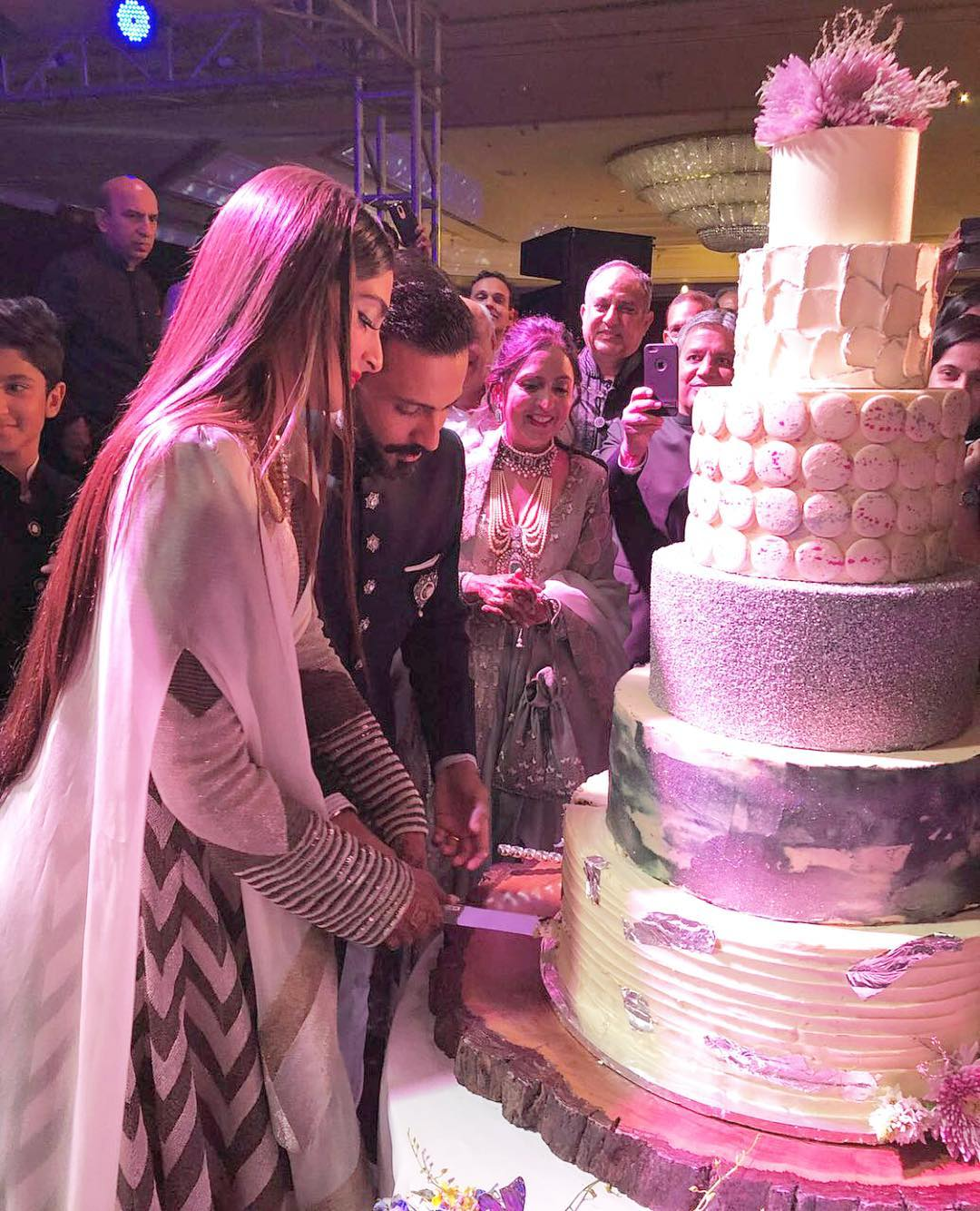 Sonam Kapoor's 7-Tier Reception by Pooja Dhingra - owner of Le15 Patisserie cafe