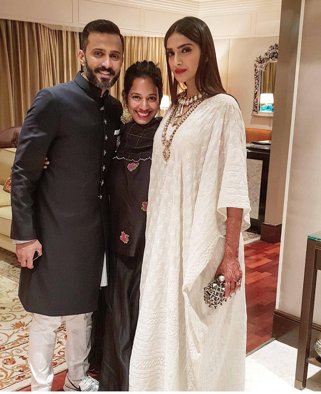 Sonam Kapoor's post-reception Abu Jani Sandeep Khosla's white dress