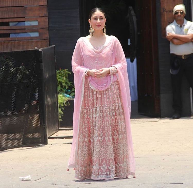 16 Bride Worthy Outfits We Spotted On Celebs At Sonam Kapoors Wedding