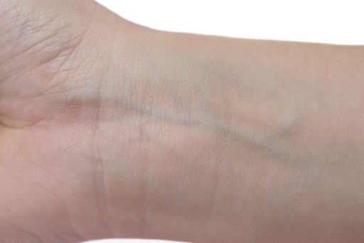How to identify skin undertones for Indian skin - wrist test