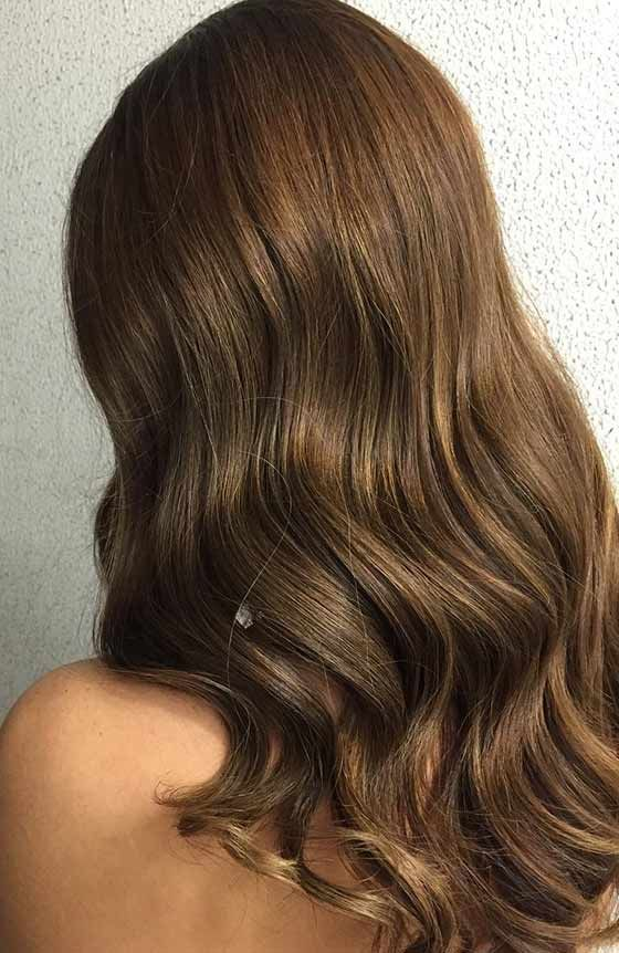 Golden brown hair color shade
