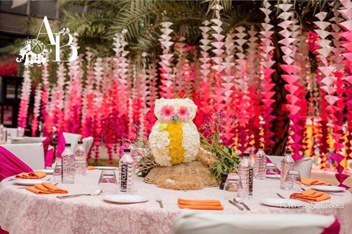 Owl floral centrepiece