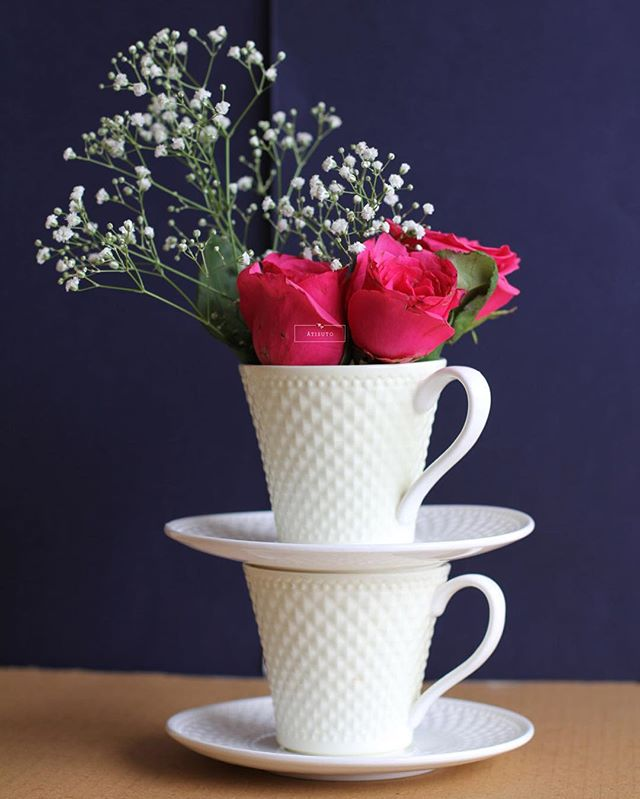 tea-cup flower vase