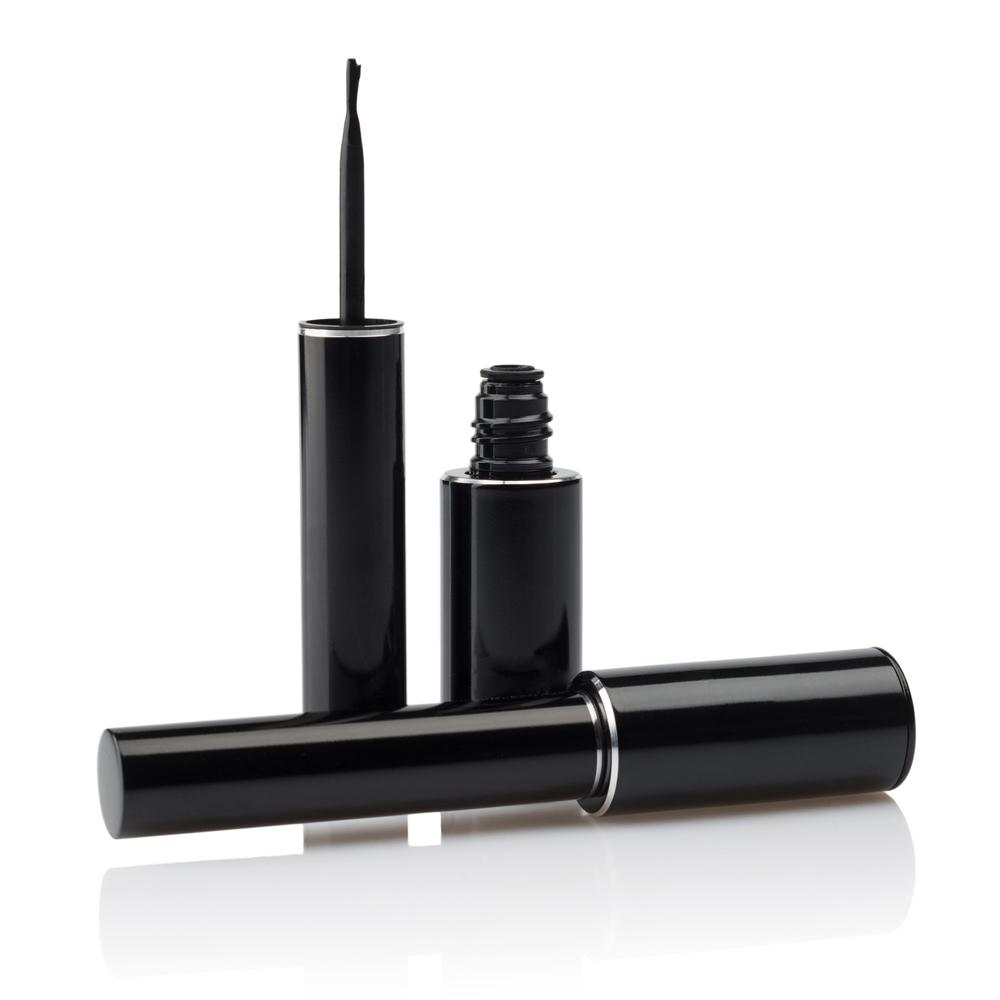 Brush-tip liquid eyeliner
