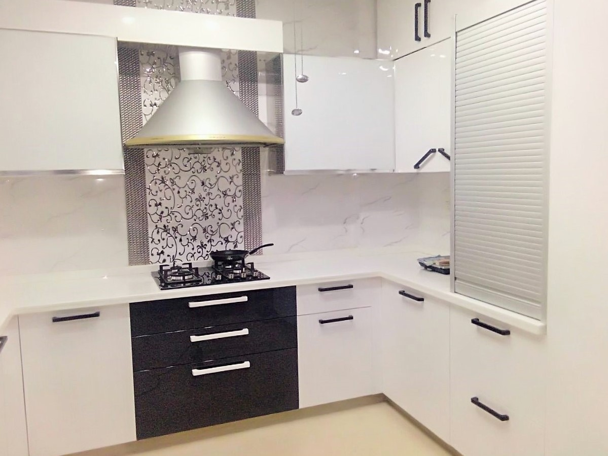 white small kitchen design