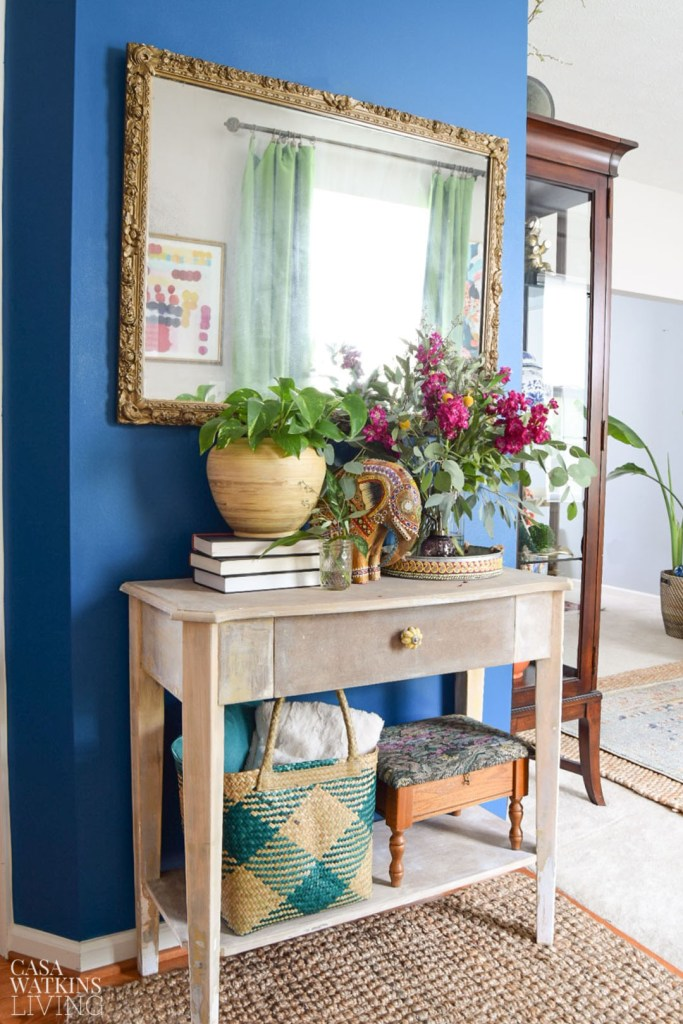 blue wall paint colours for entryway