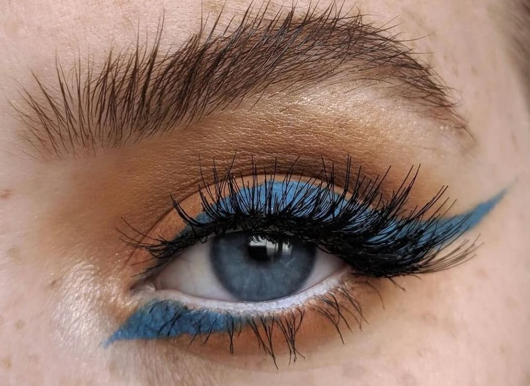 Cerulean blue matte eyeliner with angular finish
