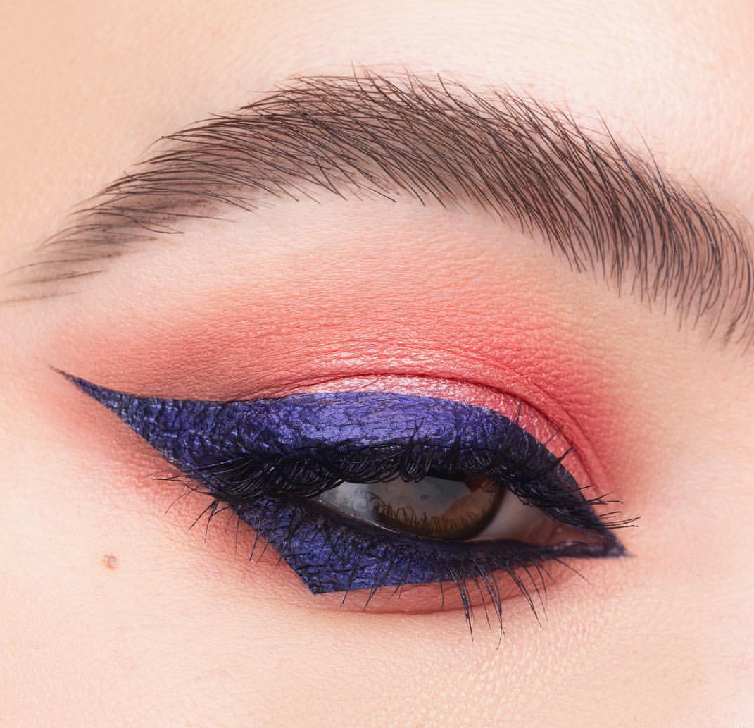Cobalt matte eyeliner with angular finish