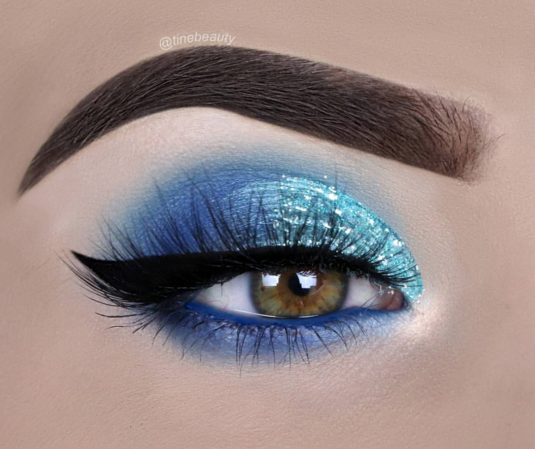 Icy blue eyeshadow look