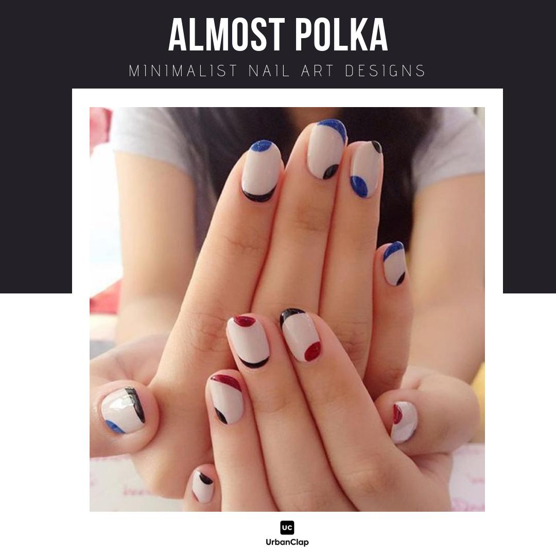 Minimalist nail art design 15