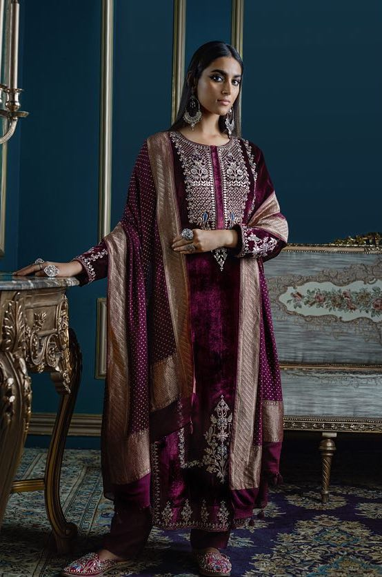 Velvet maroon kurta embroidered with gota patti by Anita Dongre 2018-2019 collection