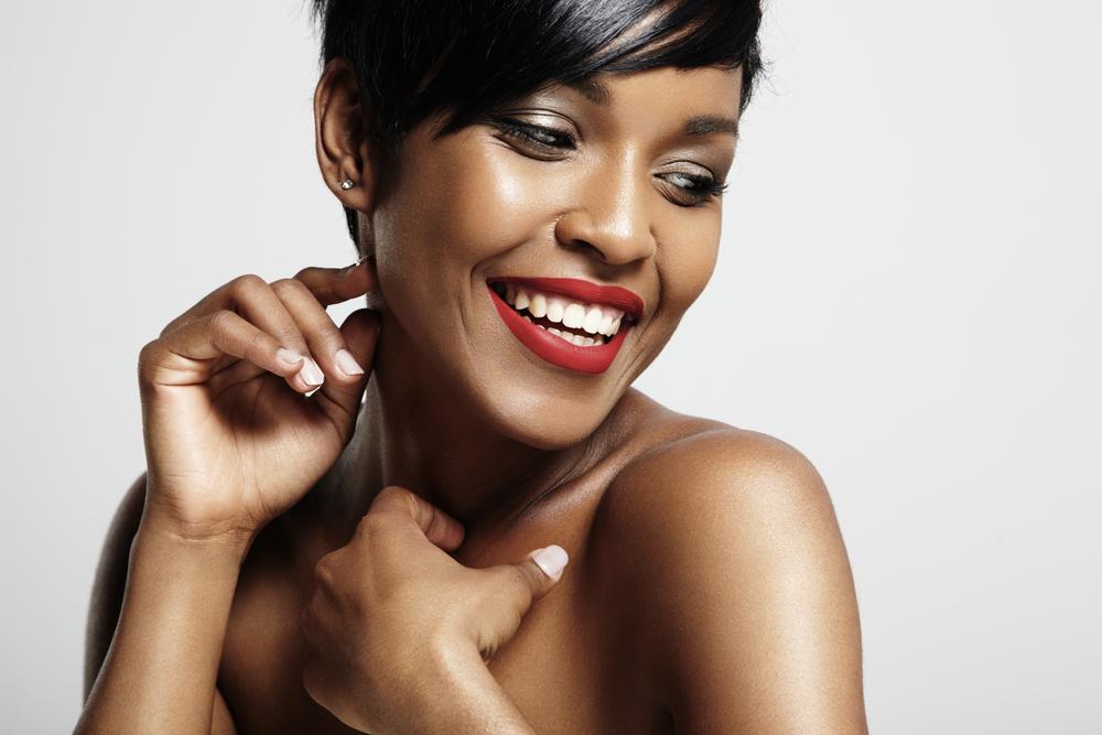 best-red-lipsticks-for-dark-skin-tones