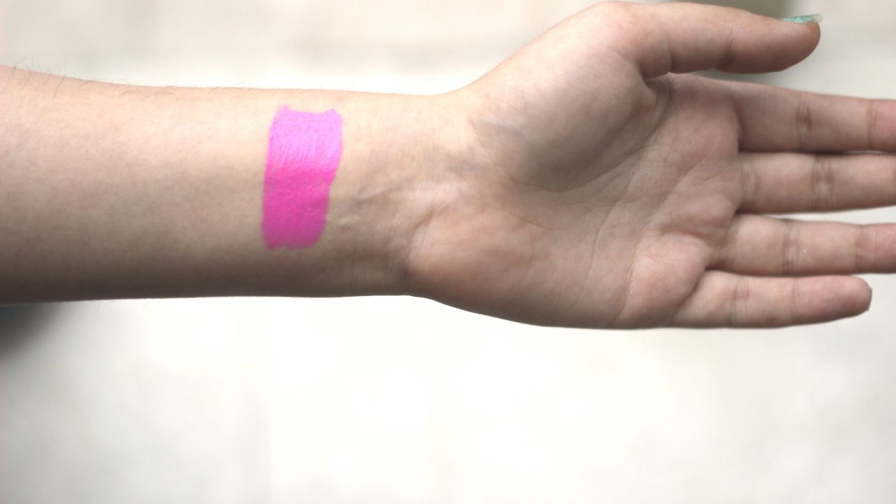 Amirah-Maybelline-pink-lipstick-shade-Dont-Pink-With-Me-swatch
