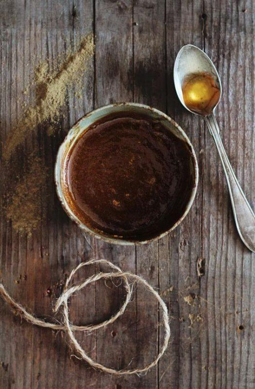 multani mitti with honey