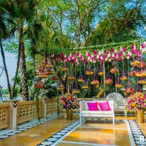 Freshest Decor Ideas for The Bride's Mehendi Seating!