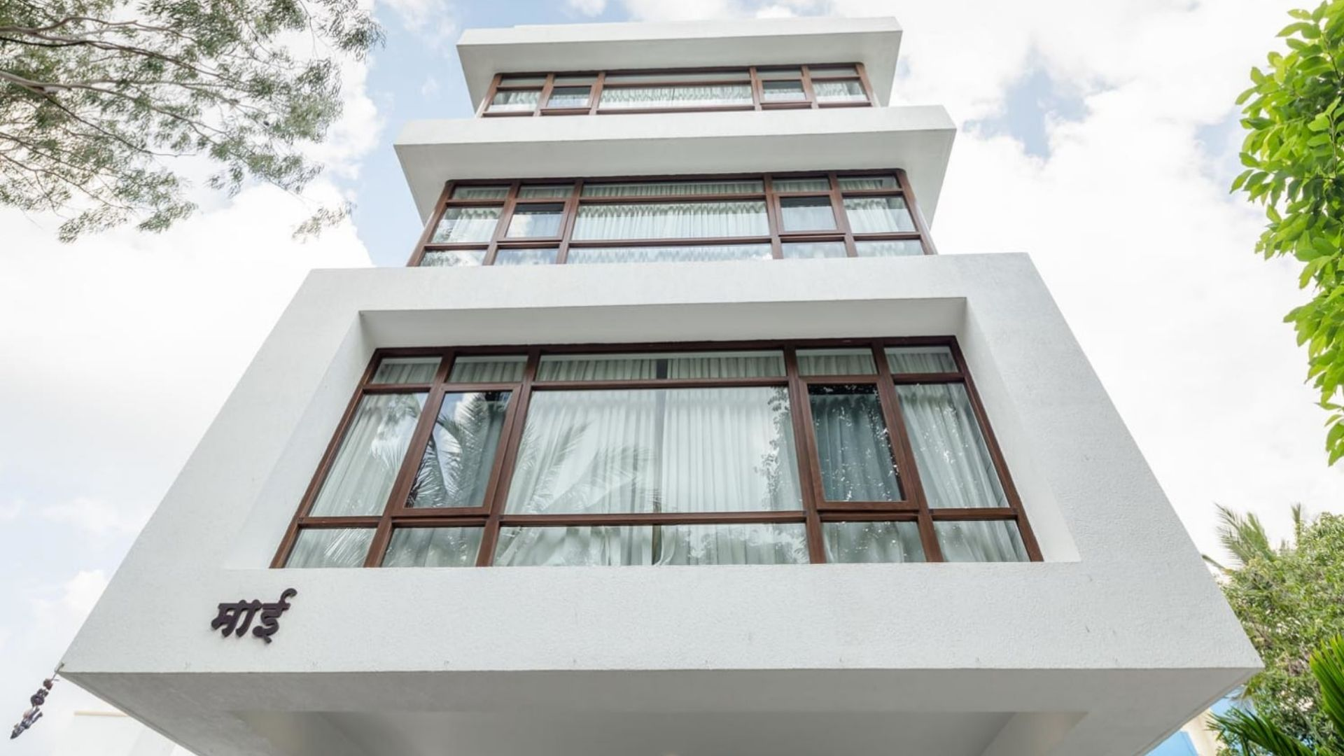 Best Exterior House Colors That Pair Fabulously With White The Urban Guide